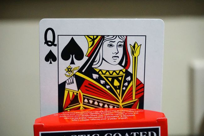 Cards Q Queen Of Spades Close-up Blurredbackground Taking Photos Hello World Relaxing