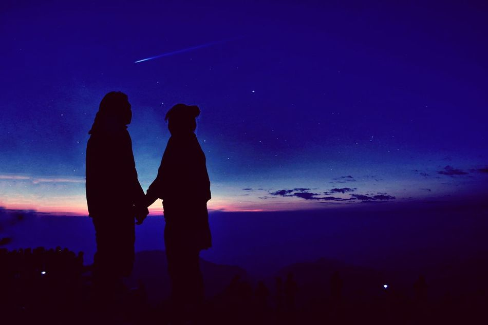 Silhouette Two People Sky Night People Outdoors Togetherness Hold Hand Lover Mountains And Sky Dawn Shooting Star Couple Couple In Love Couple Photography