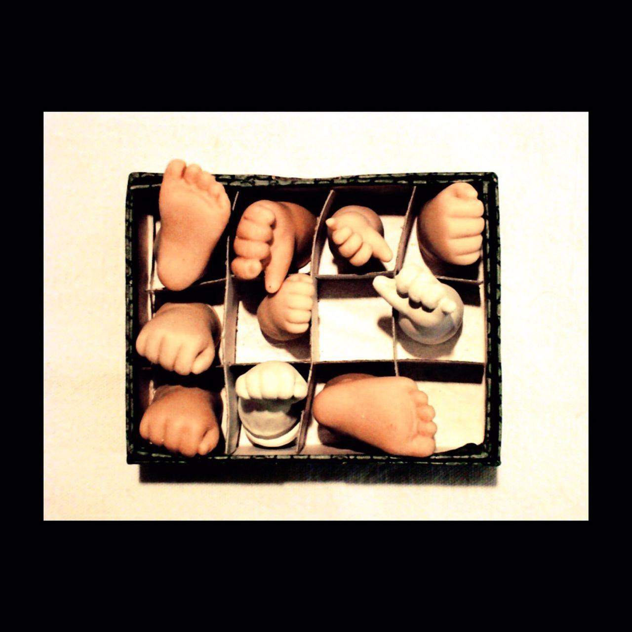 L'atelier de mon ami Pierre Durdilly était un enchantement. Il a quitté ce monde en 2008. Dessinateur, potier, designer, il restera pour beaucoup comme le sculpteur des poupées Corole de Catherine Refaber. Things Organized Neatly Pierre Durdilly Toys