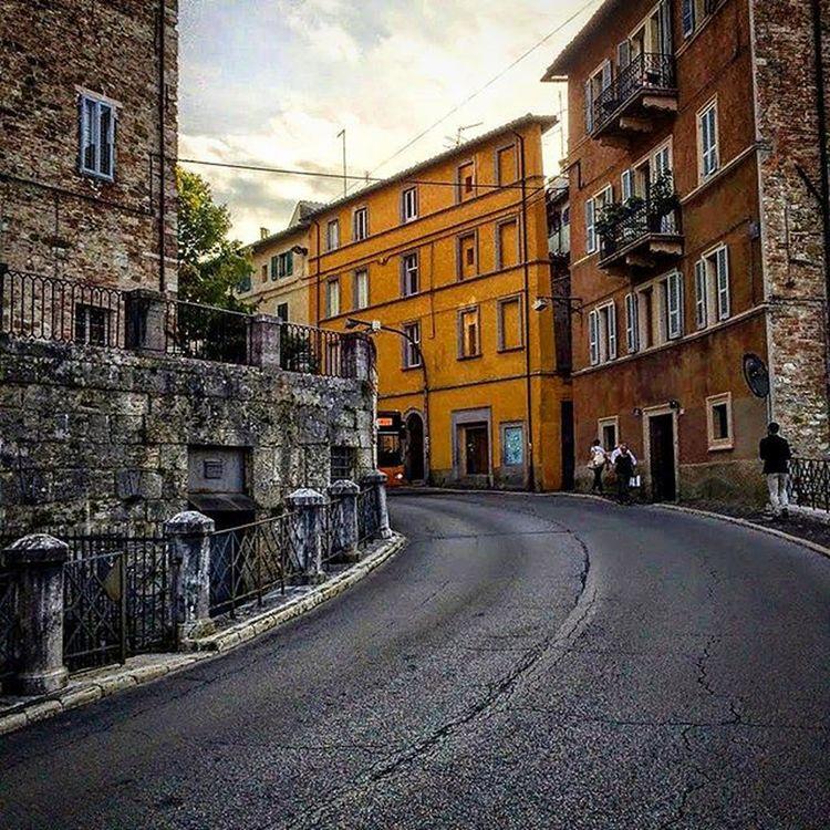 Perugia Italy Italia Payattention Look Illusion Italianadventure LiveYourLife Remember Travel