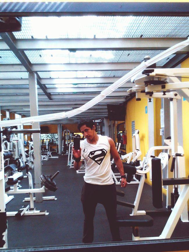 Con S bien puesta. Superman Gym UnPocoMás