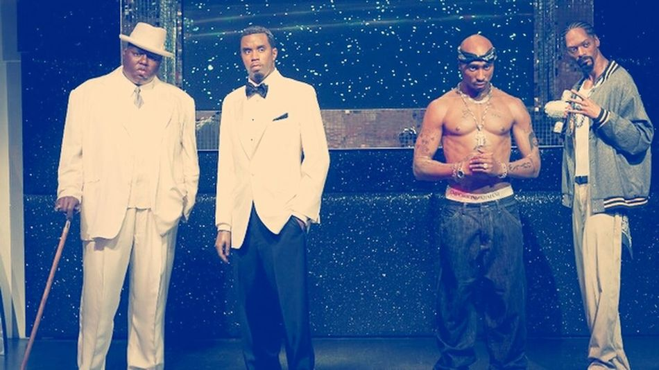 Biggie, P Diddy, 2Pac & snoop make out of wax. wtf