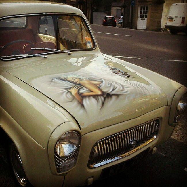 Nice car is nice. Retro PaintJob