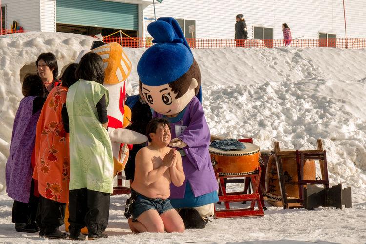 Boys Childhood Japan Japan Culture Japan Photography Japanstunts Lifestyles Outdoors People Real People Stunt Stunts Togetherness Winter Winter Winterstunts EyeEmNewHere The Photojournalist - 2017 EyeEm Awards