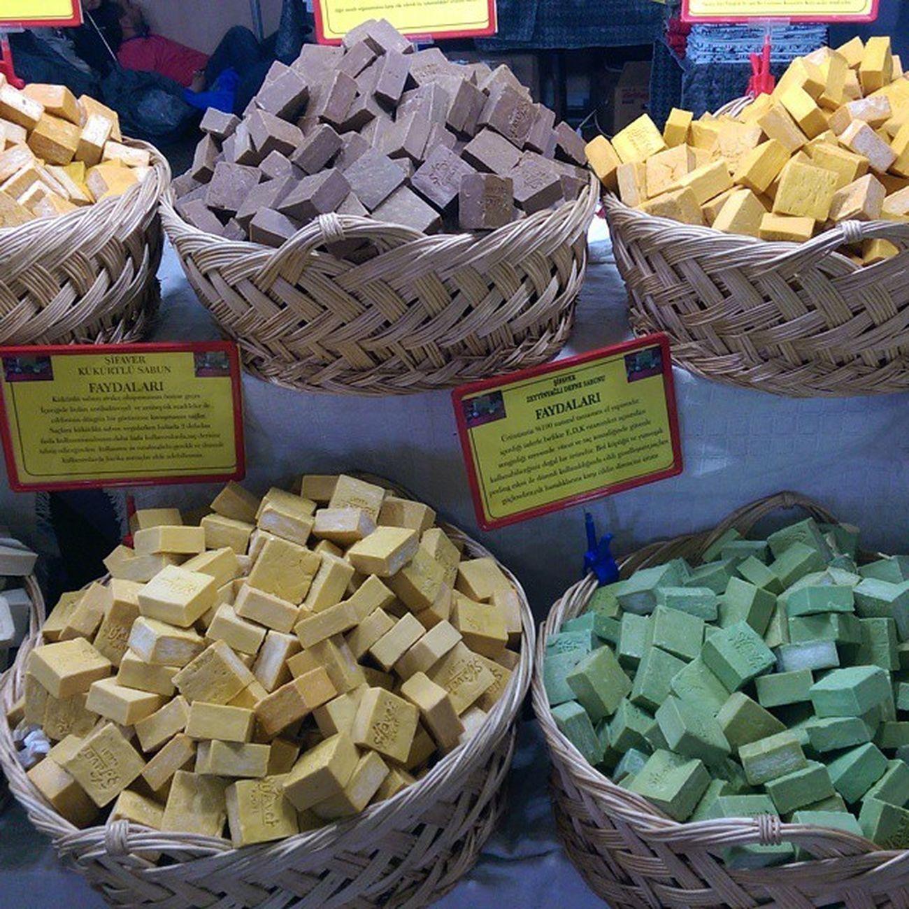 Mis gibi renk renk sabunlar... Feshane Kastamonu Günleri Feshane Kastamonu Eyüpsultan  Istanbul kermes senlik yoresel color