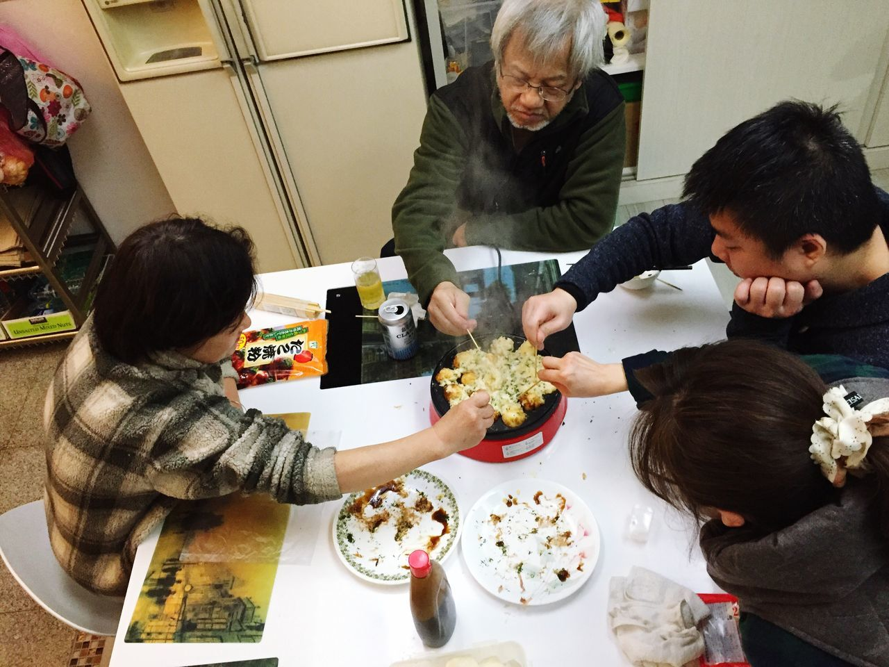 Original Experiences Experienced the Tacoyaki During Chinese New Year With Family . It's so Funny and Delicious .