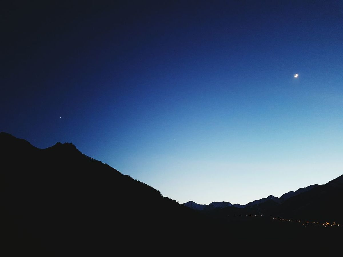 Silhouette Mountains And Sky Moun Mountains And Valleys Deep Blue Blue Nightphotography Mountains Sky Skyporn Beautiful Nature EyeEm Nature Lover Moon Sundown