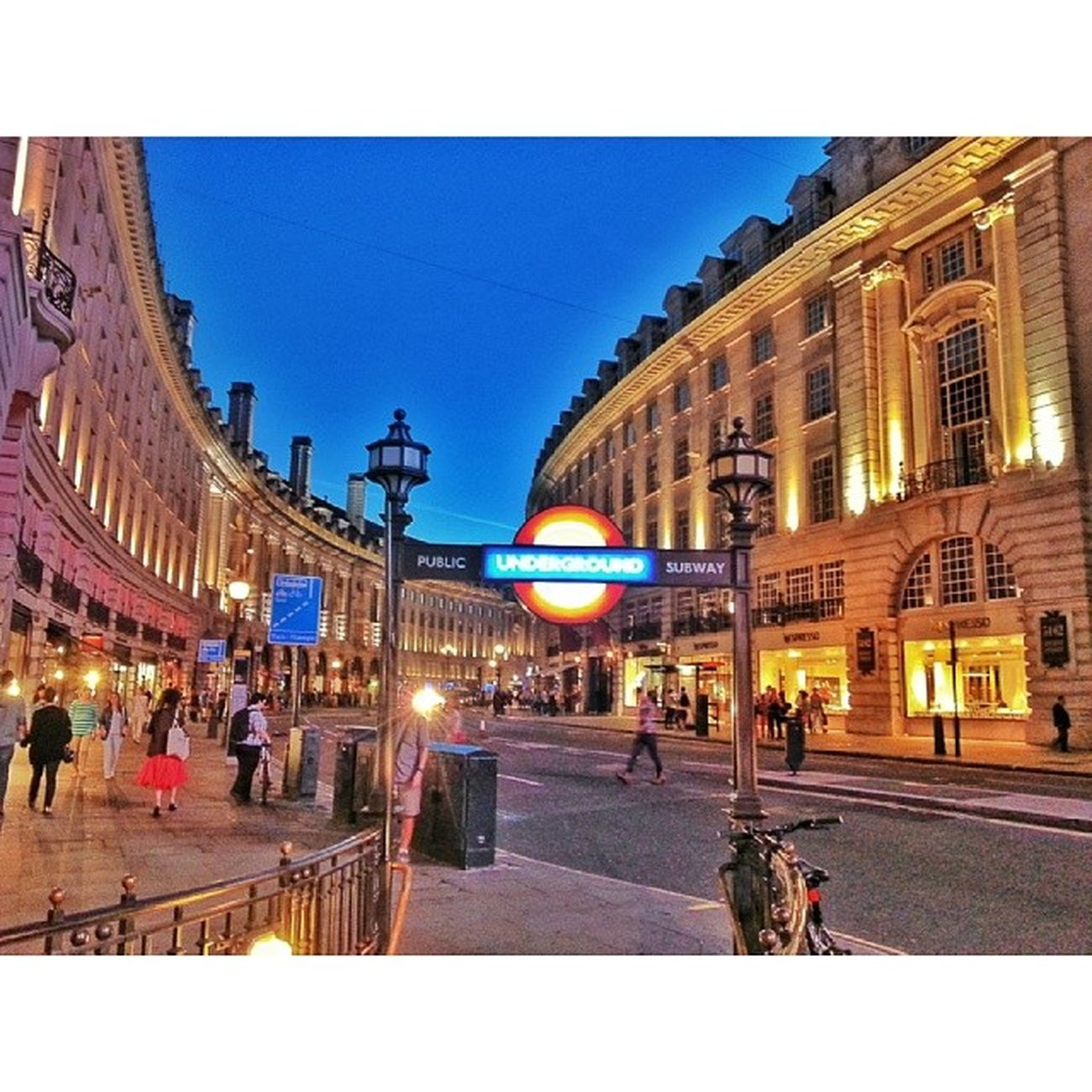 London England Londonstreet Piccadlly piccadllycircus oldcity historical colorful aniyakala objektifimden bir_dakika vscocam vscoism vsco squaregram vscogram webstagram tweegram igersworldwide ig_bestever best_shots_ever ig_turkey turkinstagram turkishfollowers onedirection photogram_tr photooftheday world_interest