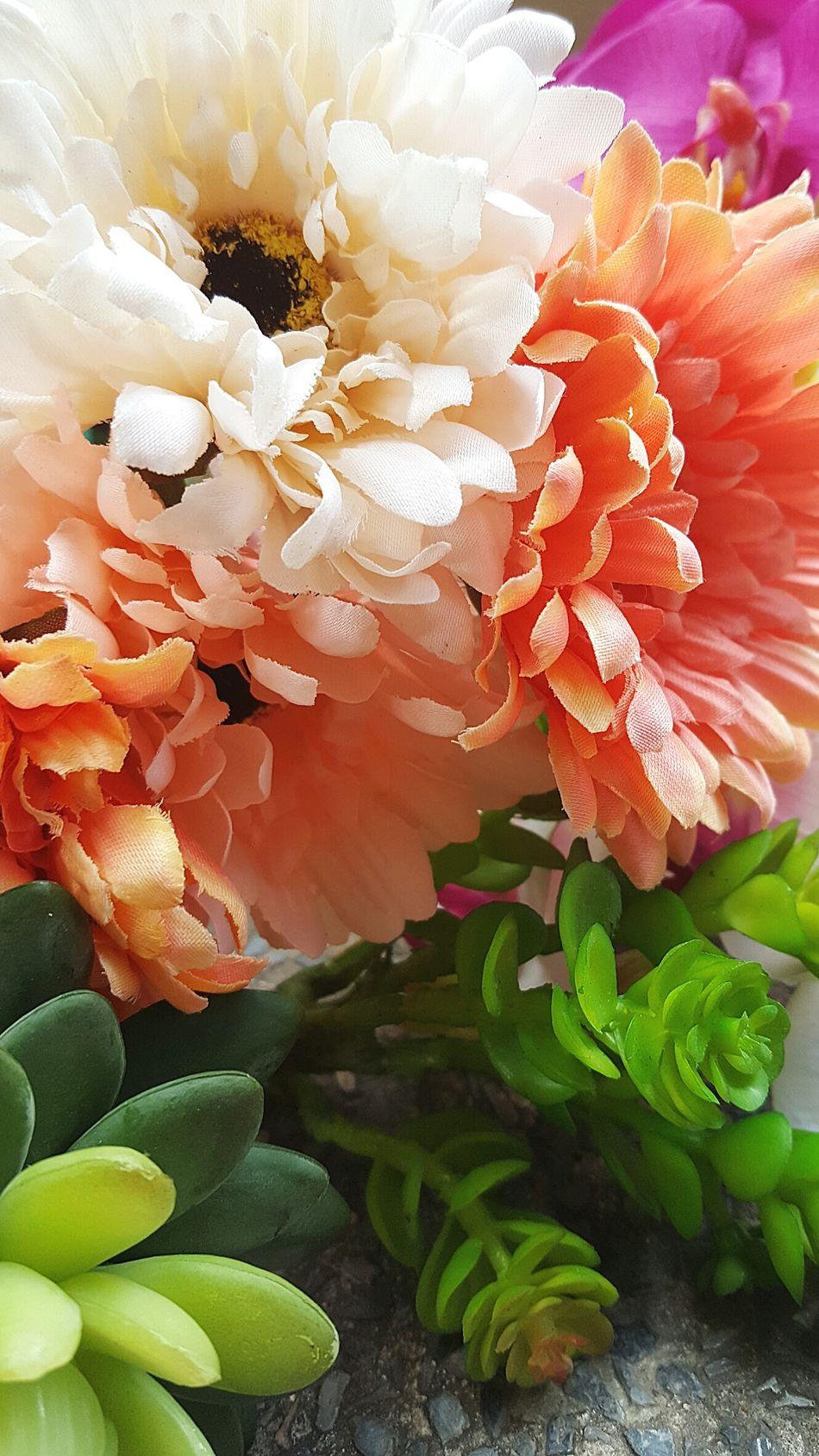 Artificial Flower Artificial Flowers Artificialflowerbouquet Artificialflowers Artificialflower Artificial Flower Lover Artificial Flower Bouquet Flowerlovers Flowerlover