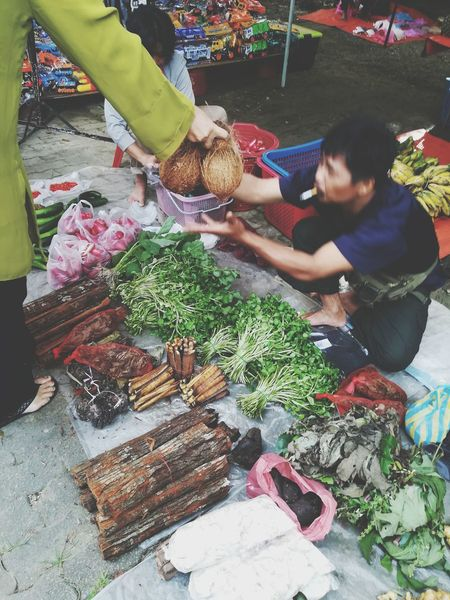 A man lucky day. #traditionalmarket #tambunan #borneosabah #traditionalfood #colours Business Finance And Industry Retail  Vegetable Food And Drink Small Business Business