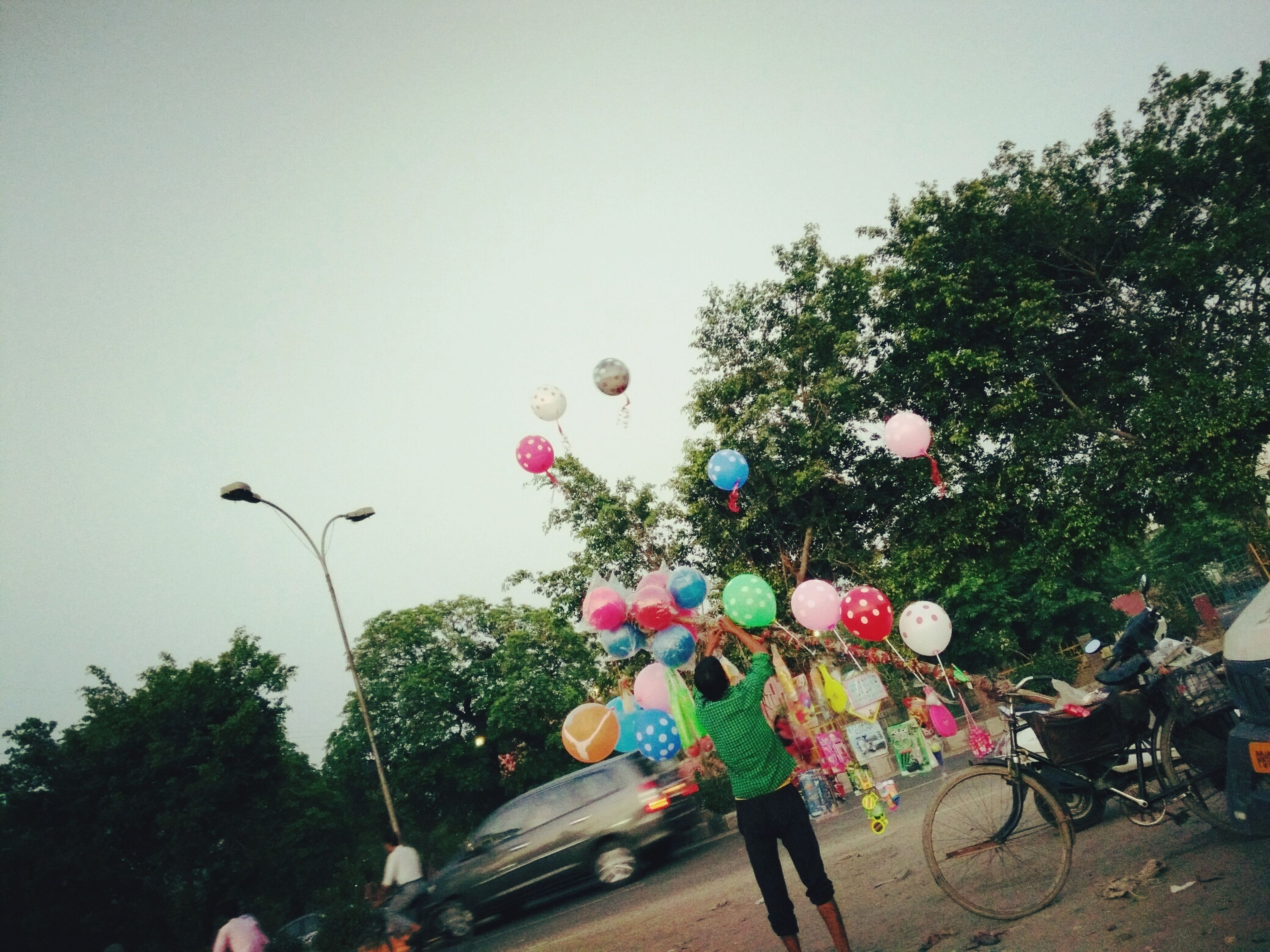 Balloon Man Photography His Life Like Balloon The Week Of Eyeem Hello World Check This Out Follow City View  Taking Photos Eyemphotography The Ludhiana, India