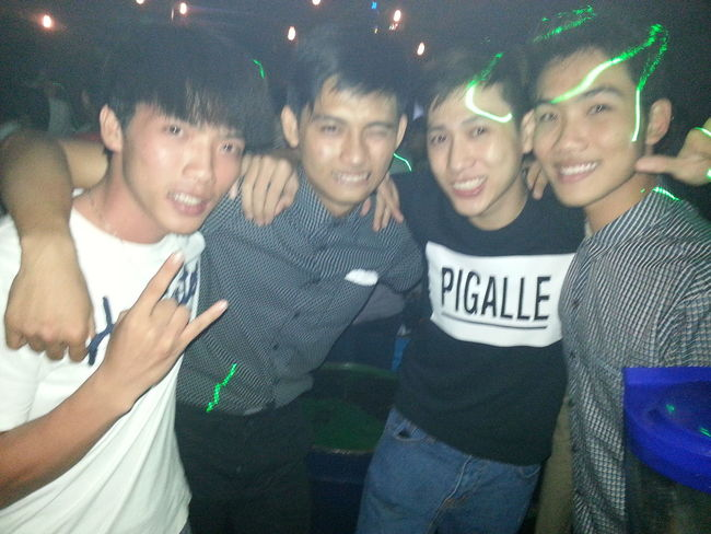 quẩy thôi ^^ !!!! Night Out Drinks Relaxing Hello World