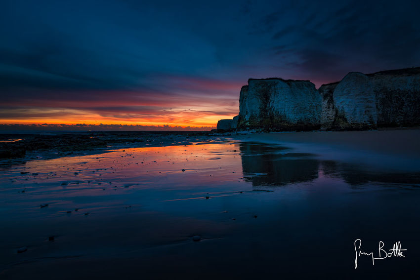 Dawn, Botany Bay Beach Sea Beauty In Nature Long Exposure Outdoors Dramatic Sky Landscape Sunrise_sunsets_aroundworld Sony A7RII Eye4photography  Sunrise England, UK Nature_collection Seascape Photography Seascape Sony Images Botany Bay Landscape_Collection Dawn Landscape_photography Clouds And Sky Broadstairs Dawn Of A New Day Kent Sunrise_Collection