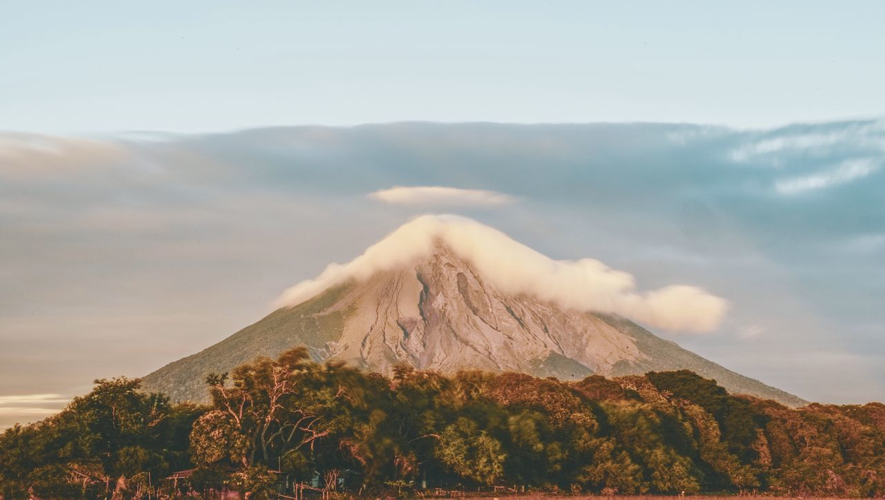 Mountain Landscape Scenics Nature Beauty In Nature Tranquil Scene Sky Tranquility Day Outdoors Mountain Range No People Physical Geography EyeEm Gallery Travel Destinations EyeEmNewHere Eye4photography  Beauty In Nature EyeEm Best Shots