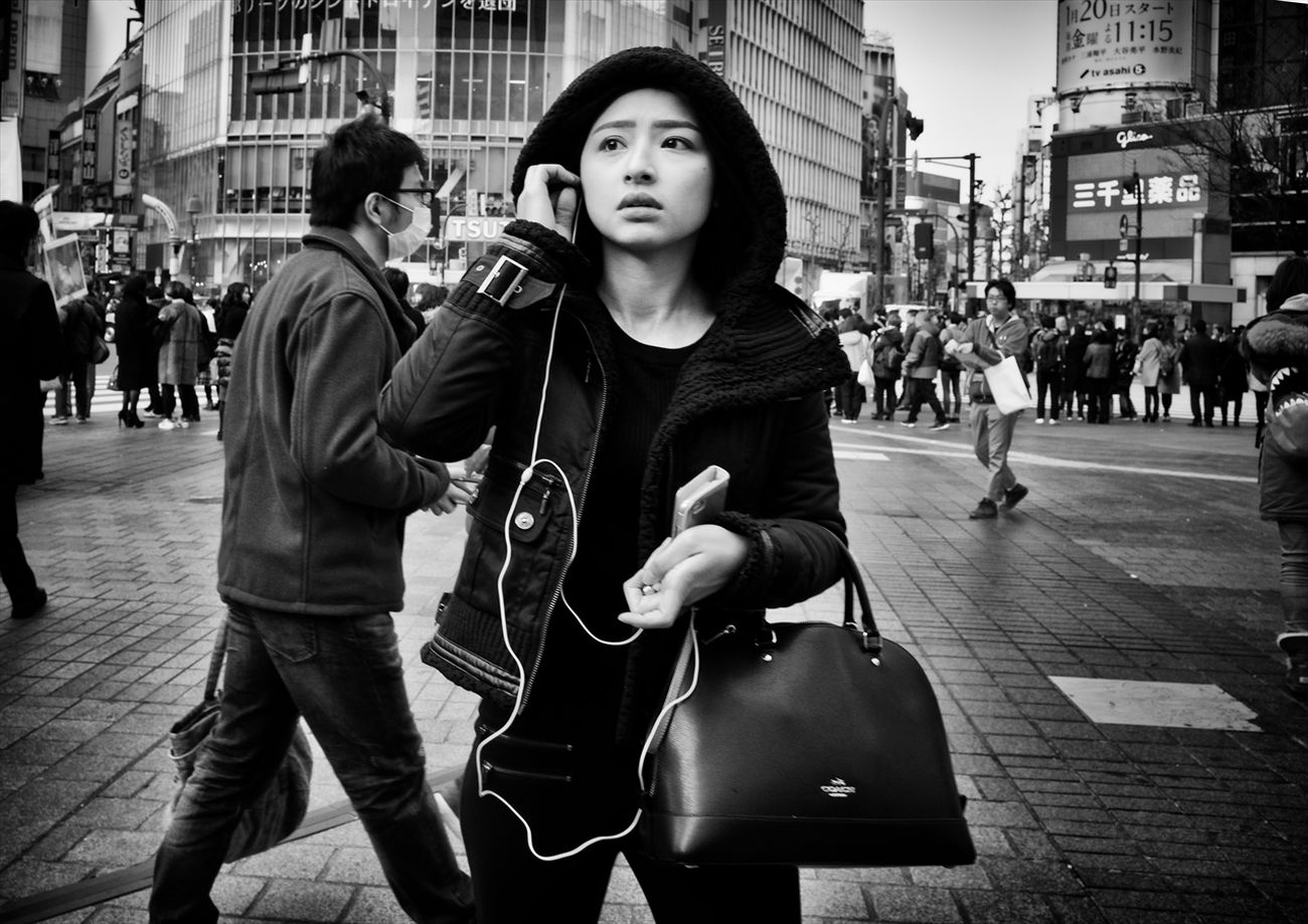 トーキョー・ブルース ~Tokyo Blues~ B&w Street Photography Black And White Creative Light And Shadow Monochrome Photography People Shibuya SHINJYUKU Street Street Photography Streetphoto Streetphoto_bw Streetphotographer Streetphotographers Streetphotography Streetphotography_bw Tokyo Tokyo Street Photography Tokyo,Japan