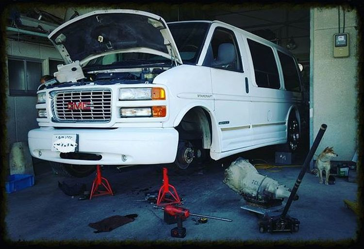 GMC SAVANA VAN オートマ死亡 今回のリビルト物はNoGood... GMC Savana Savanavan 6l60e 4l60e Rebuild  Chevrolet Gm  Gone オートマ 載せ換え サバナ アメ車 Hideoutworks Hideoutinc Zeal Zealfactory