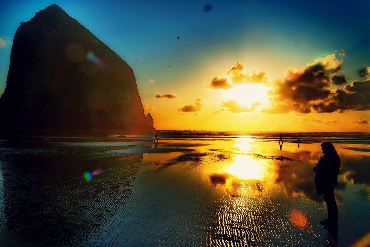 Cannon Beach Eclipse OtherMindMedia Nautical Taking Photos Waterfront Sunset #sun #clouds #skylovers #sky #nature Beautifulinnature Naturalbeauty Photography Landscape [a: