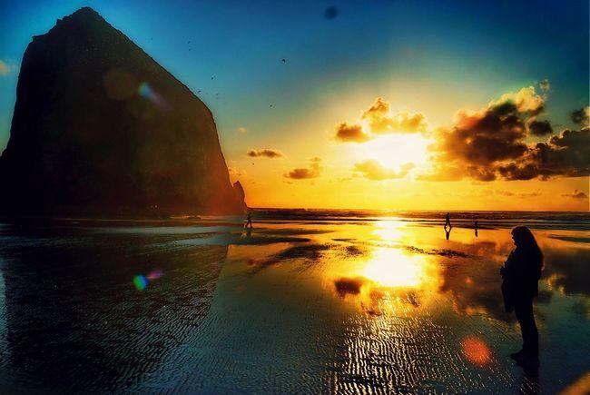 Cannon Beach Eclipse OtherMindMedia Nautical Taking Photos Waterfront Sunset #sun #clouds #skylovers #sky #nature Beautifulinnature Naturalbeauty Photography Landscape [a: