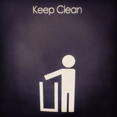 Keep_clean Keep  Clean Advice tag on trash. For sell at centerpoint. at rashed mall rashed_mall. medina madina madinah saudi_arabia saudiarabia ksa. Taken by my sony xperia arc. سنتربوينتالراشد مول الراشد_مول المدينة_المنورة المدينة تسوق توعية نصيحة السعودية