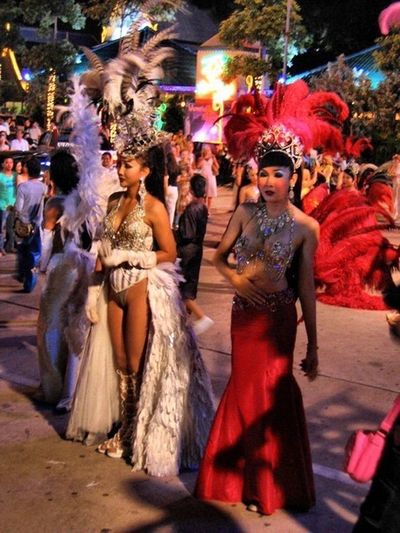 Pataya Night Night Street Holiday Trip Alkaza Show Women And Man ?