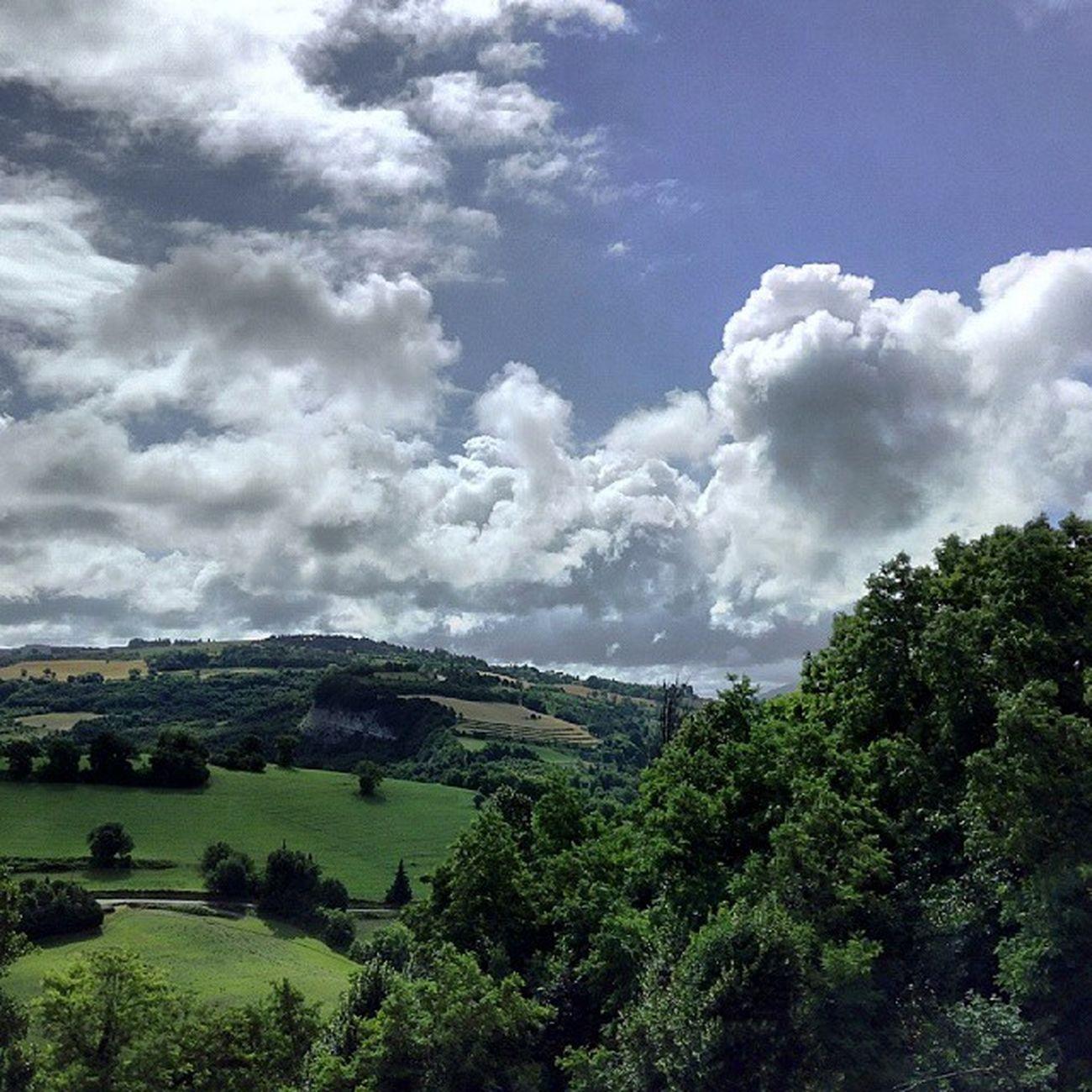 dall'altro lato del Montefeltro ✌ Urbino Landscape Cloudscape Sky Nofilter Marcheforyou Marche