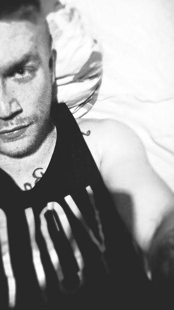 Relaxing Hello World That's Me Hi! Tattoo EyeEm Best Shots - Black + White First Eyeem Photo Hell Yeah Sleepy Time Goodnight✌
