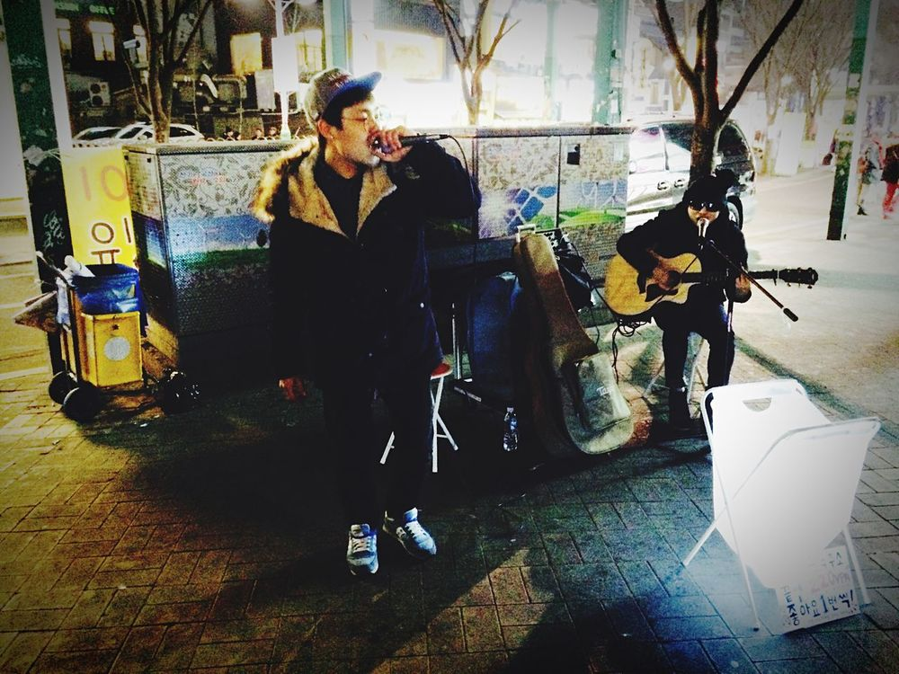 Street Music Acoustic Guitar Rap&hiphop Seoul has so many street musicians and dancers. The quality is incomparable. Lotti On Tour Hongdae area