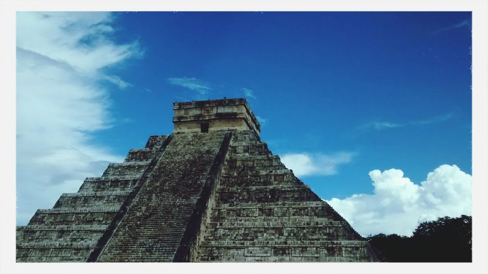 Perfection Chichen Itza Sunny Relaxing