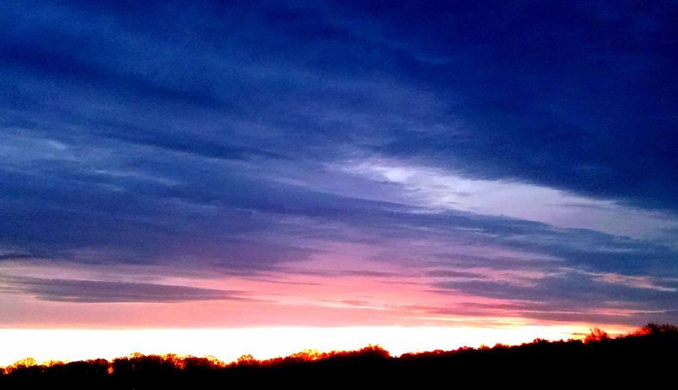 Eyeemphotography Sunset #sun #clouds #skylovers #sky #nature #beautifulinnature #naturalbeauty #photography #landscape