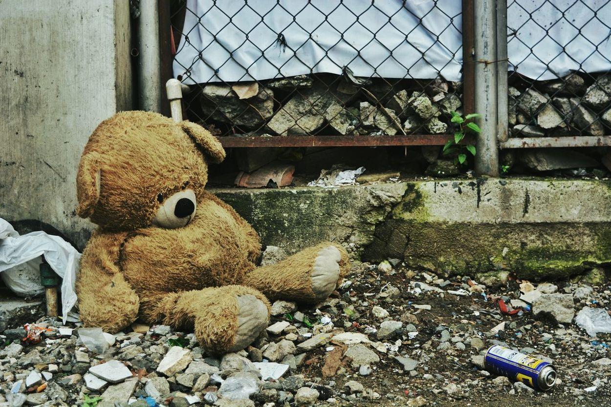 The lonely teddy on the street EyeEmBestPics The Week On Eyem Eyeem Philippines EyeEm Best Shots Worldwide Photowalk 2015 Streetphotography Street Photography