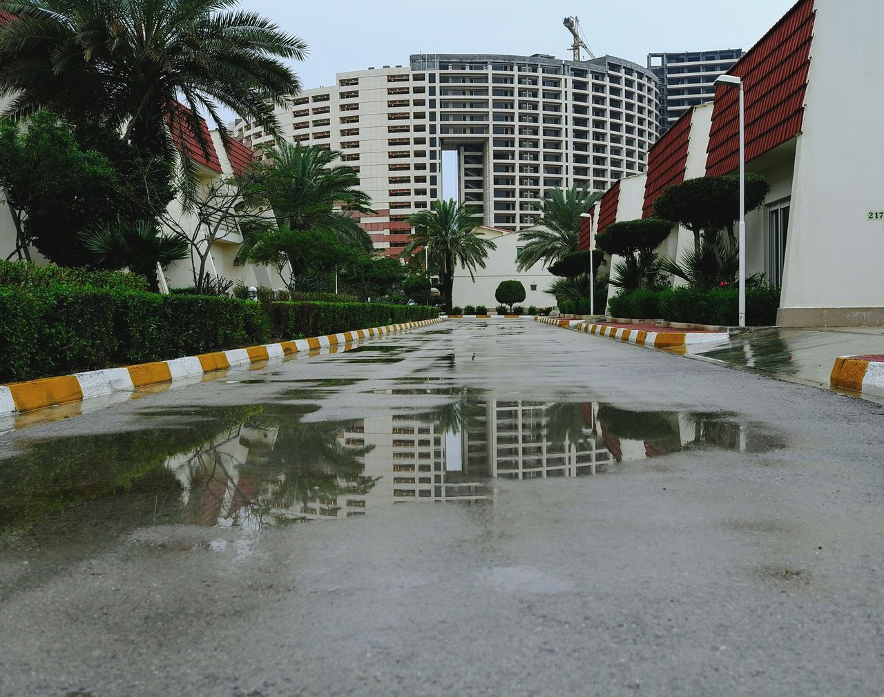 rainy days Minimalist Architecture The City Light Reflections In The Water Natural Light Urban Landscape Urban Perspectives Urban Lifestyle Kish Island After The Rain Rainy Days Rainy Day Rainy Weather Built Structures