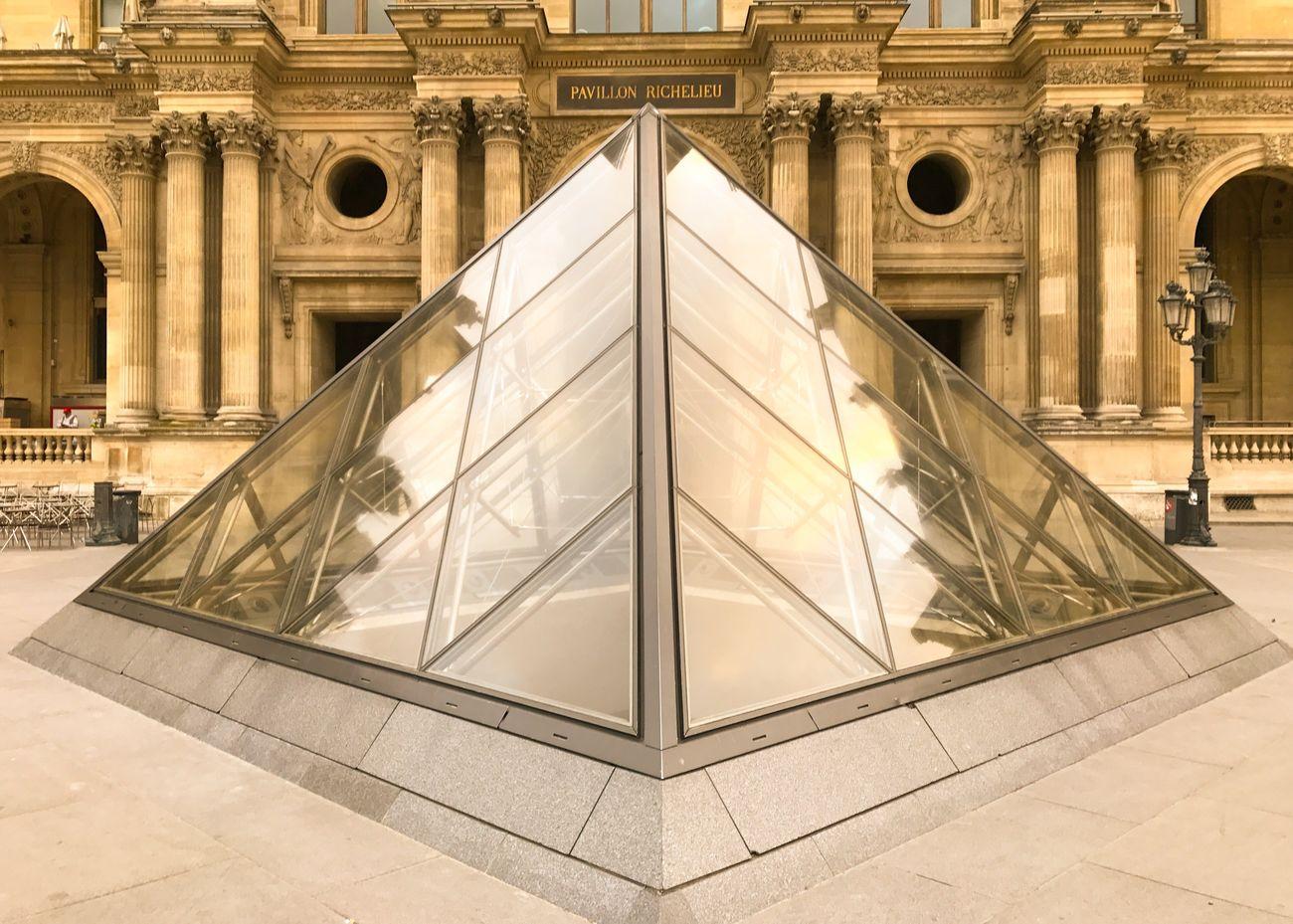 Bonsoir Paris! Good Evening Paris! Architecture Building Exterior Travel Destinations Paris ❤ Parisweloveyou EyeEm Best Shots Paris Photooftheday Eyem Best Shot - Architecture Louvre