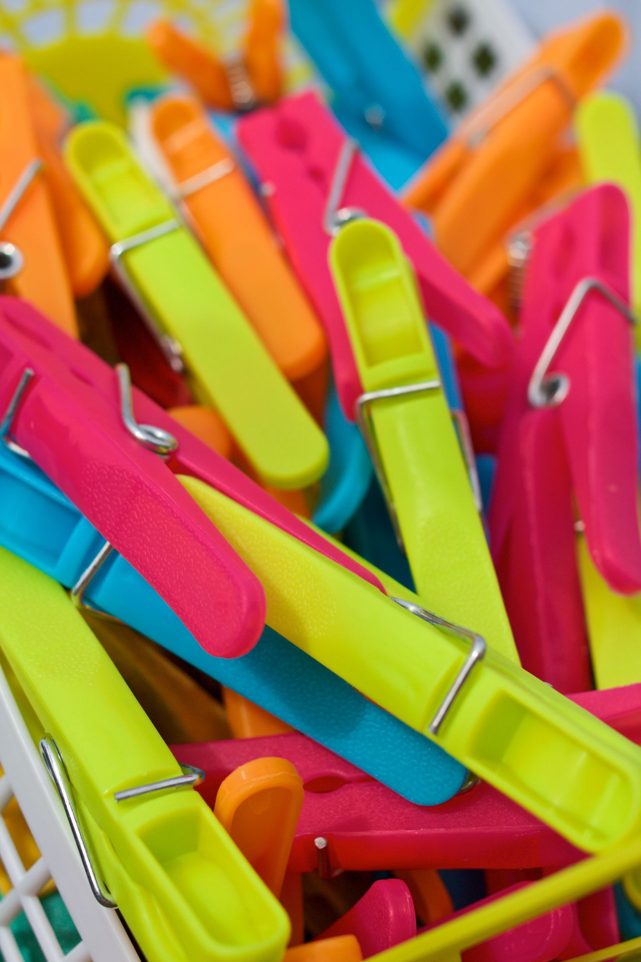 Backgrounds Blue Brightly Colouplastic Choice Close-up Clothesline Clothespeg Clothespin Day Green Multi Colored No People Outdoors Pegs Plastic Plastic Pegs Purple Red Washing