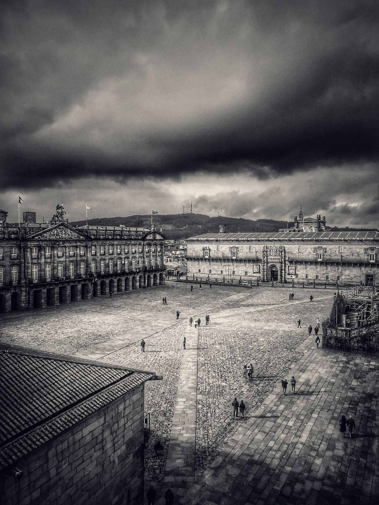 Cloud - Sky Sea Sky Beach Nature Outdoors Dramatic Sky WaterBnwphotography Architecture_collection Bnw_collection From My Point Of View Capture The Moment Architecture City People Photography People And Places Day Flying High Plaza Del Obradoiro Santiago de Compostela