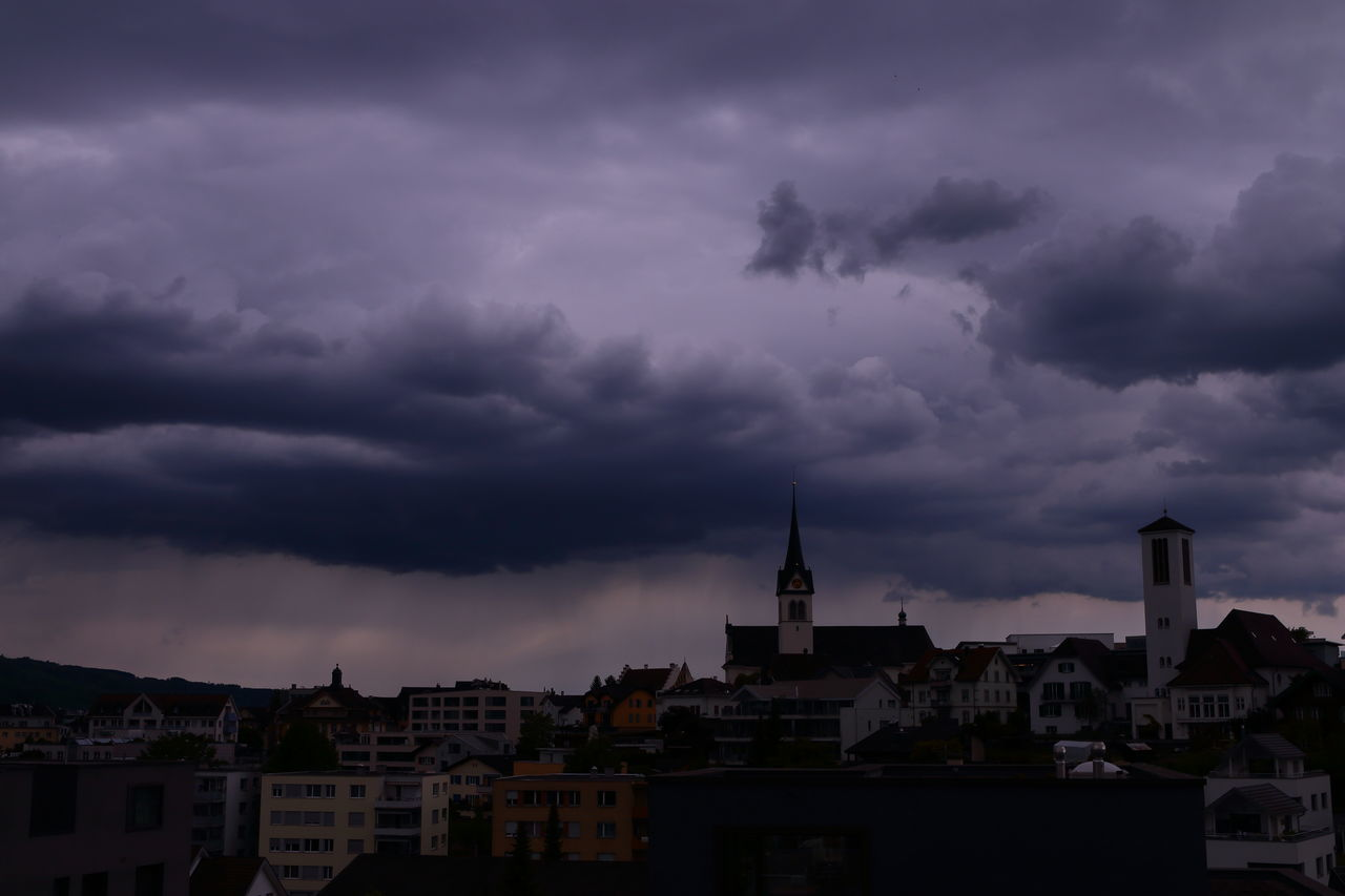 heavy thunderstorm arrived Check This Out Check This Out! City Cityscape Cloud - Sky Dramatic Sky Outdoors Rain Sky Storm Storm Cloud Storm Clouds Stormy Stormy Sky Stormy Weather Taking Photos Taking Pictures Thunderstorm Town Weather Weather Photography EyeEm Nature Lover EyeEm Best Shots