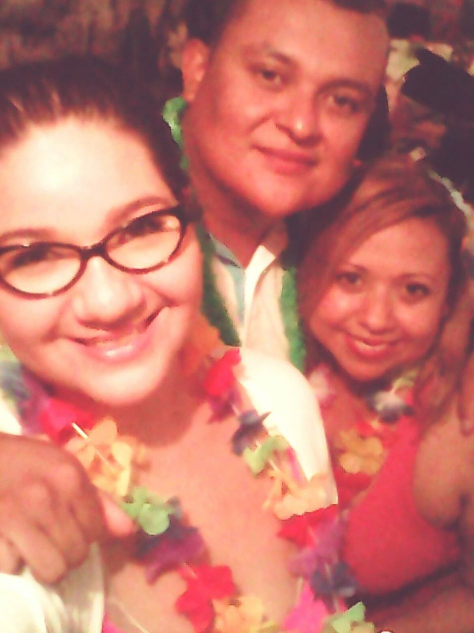 Hawaiianparty Love Friends WishUWereMine LOL Fiedo Buchones