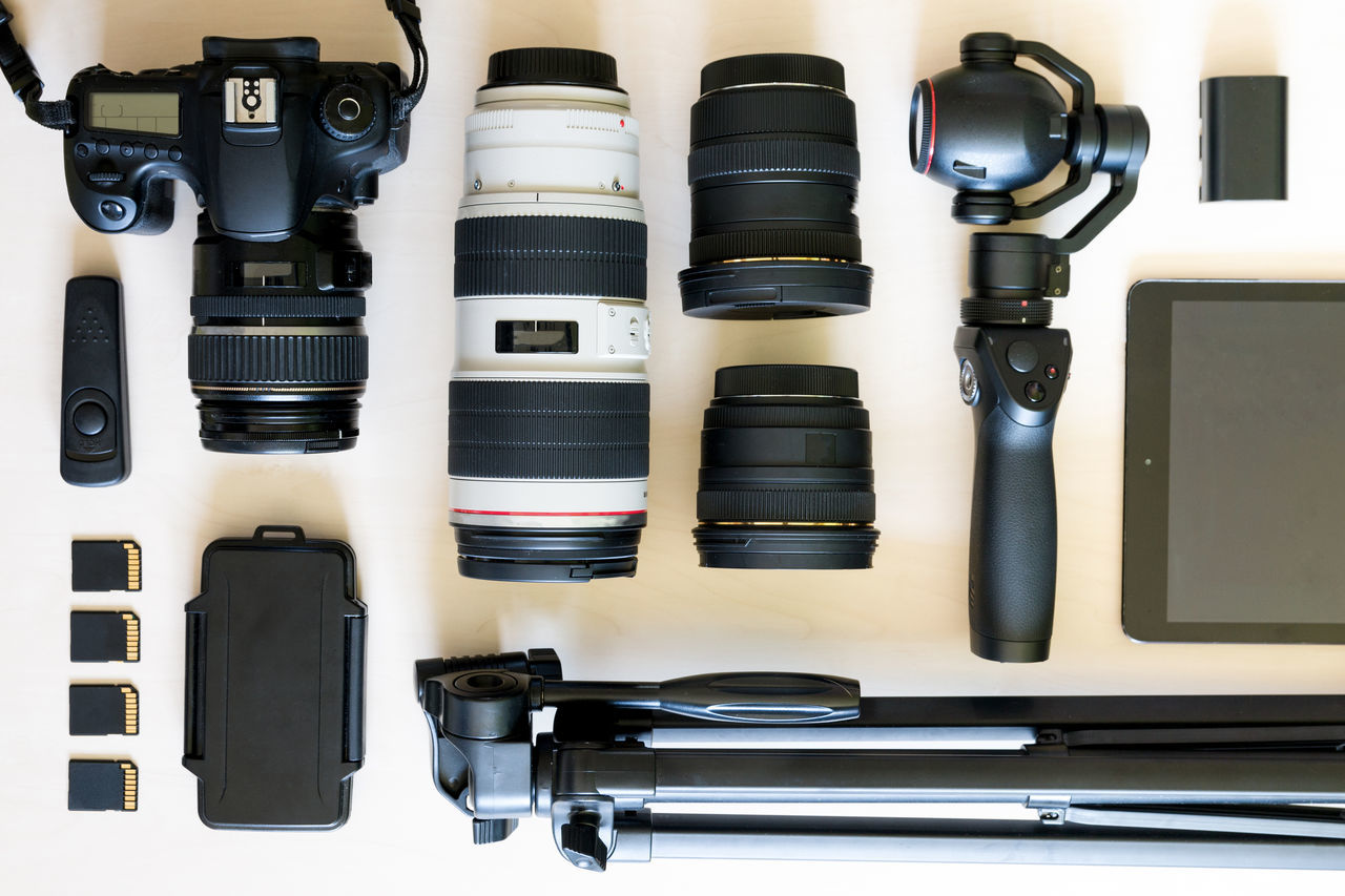 camera - photographic equipment, photography themes, no people, technology, indoors, close-up, digital single-lens reflex camera, day