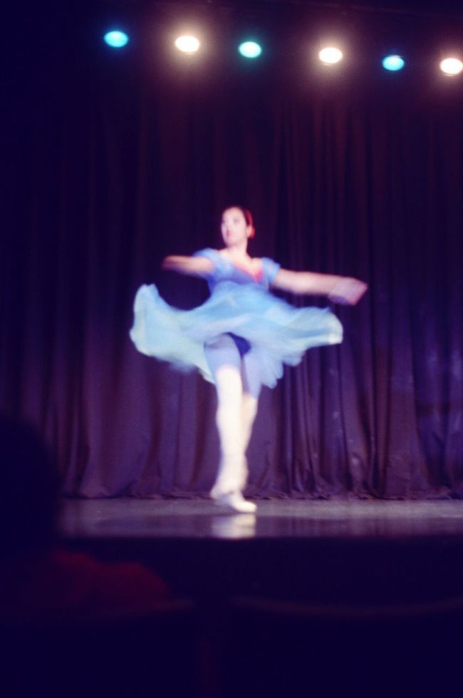 Beauty of film Precision Dance Ballet Pentaxspotmatic Dançacontemporânea Pentax Performance Filmisnotdead 35mm Film Film Photography
