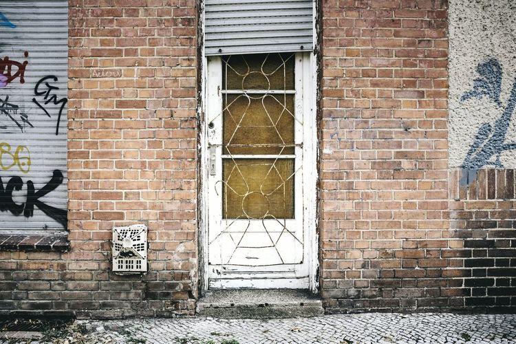 Doorporn Berlin Prenzlauer Berg Door Street Streetphotography Streetphoto_color Doorporn Old Door Ostalgie GDR Gdrbuilding Berlin