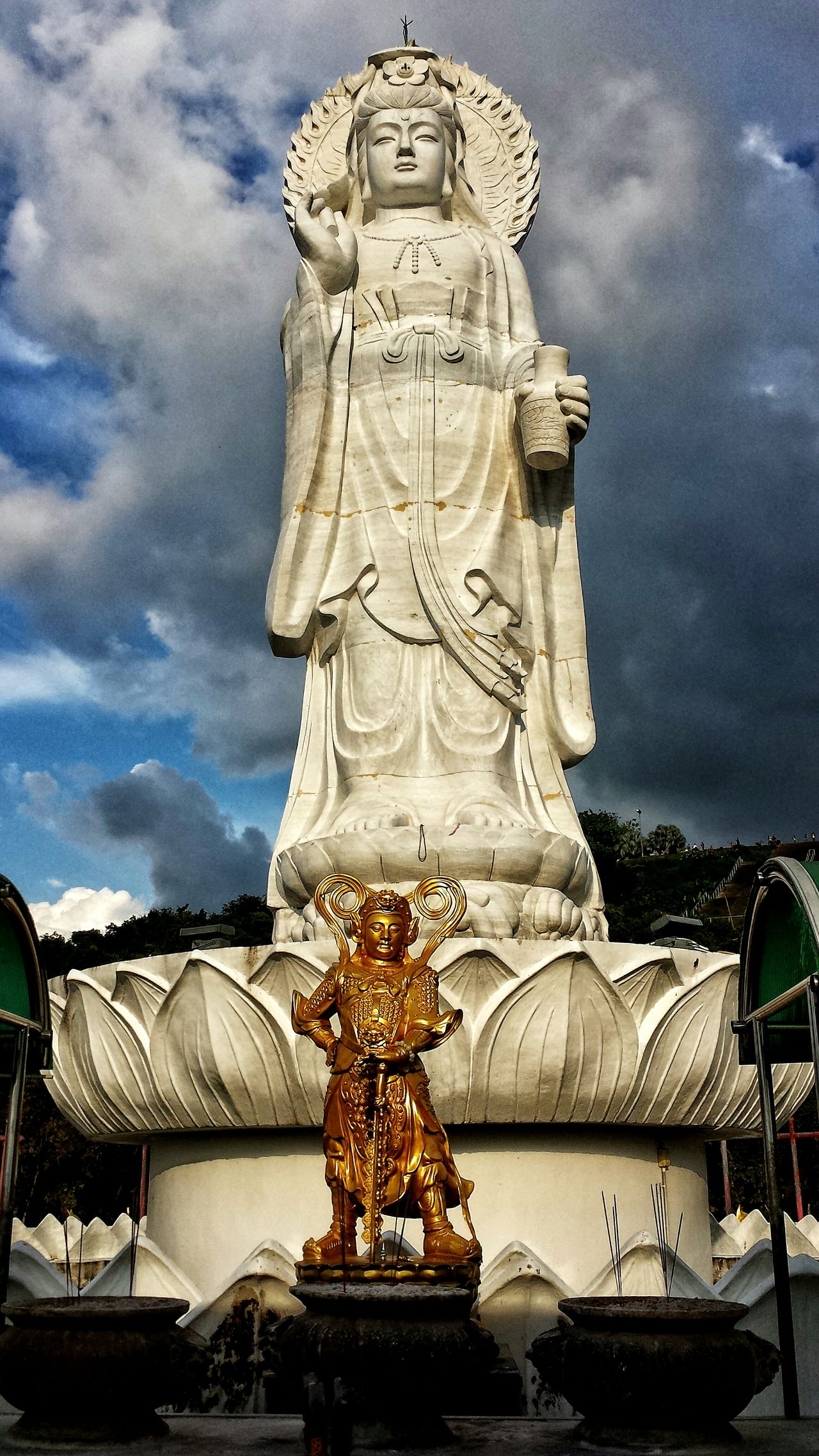 Showcase: January พระโพธิสัตว์กวนอิมนครหาดใหญ่ Phra Bodhisattva Guan Yin Kuan Yin Bodhisattva Statue Blue Sky Clouds Southern Thailand Outdoors Southeast Asia ASIA Low Angle Songkhla Hat Yai Songkhla Province Afternoon Spotted In Thailand