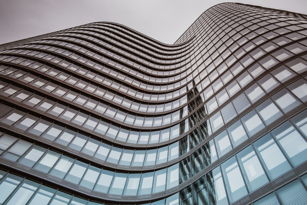 Architecture Building Exterior Built Structure City Day Glas Facade Glass - Material Low Angle View Modern No People Outdoors Reflections Sky Skyscraper Wave Form