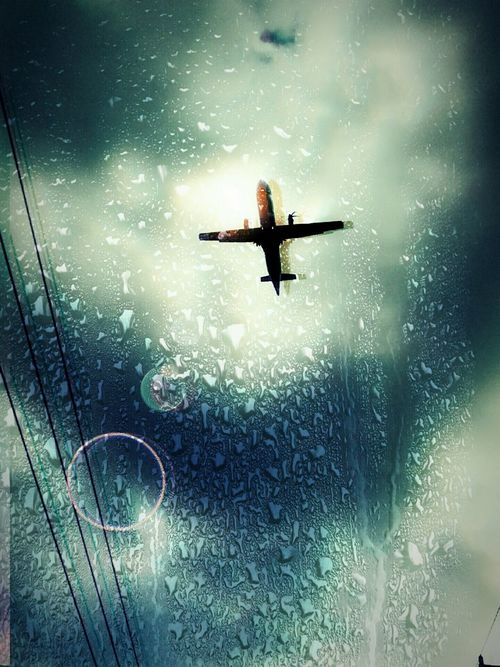 Hanging Out Taking Photos Check This Out Enjoying Life Florida Androidography Supportart Photolife Propplane Rainy Days Sunshower Airplane Jetlife Waterdrops
