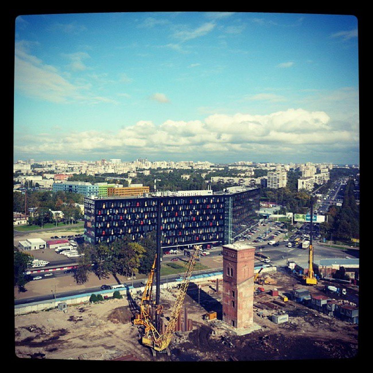 """Вот это черное, в веселую крапинку, здание - БЦ """"Бенуа"""" где распологается Питерский филиал Яндекса, кто не знает. yandex"""