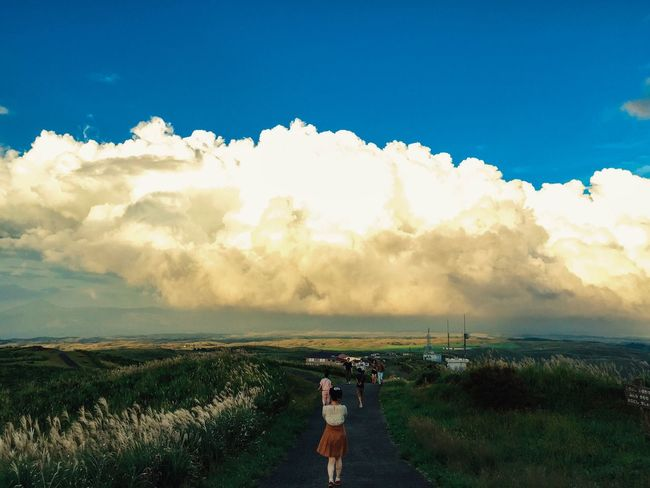 Landscape Clouds And Sky Sky Rear View Scenics Beauty In Nature Non-urban Scene Blue Field Eyem Best Shots 阿蘇 Outdoors IPhoneography Mobilephotography