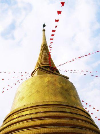 ภูเขาทอง วัดสระเกศ Wat Sra Ket Ancient Architecture Building Exterior Ceremony Cloud - Sky Culture Famous Place Golden Golden Pagoda Low Angle View Pagoda Place Of Worship Sky Tall Temple Temple - Building Travel Destinations