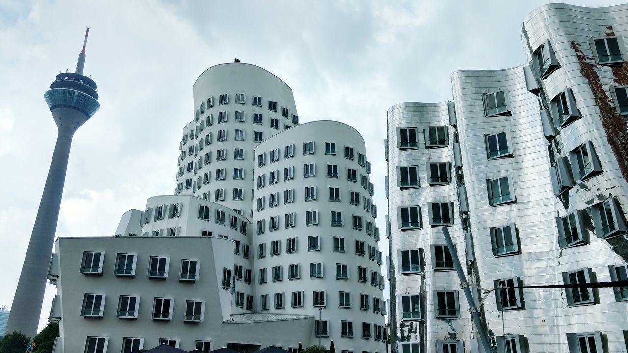 Düsseldorf Düsseldorf, Medienhafen Architecture Rheinturm  Gehry Buildings Gehry-Bauten Frank Gehry Beautifulcities Traveling Traveladdict Germany Weekendgetaway
