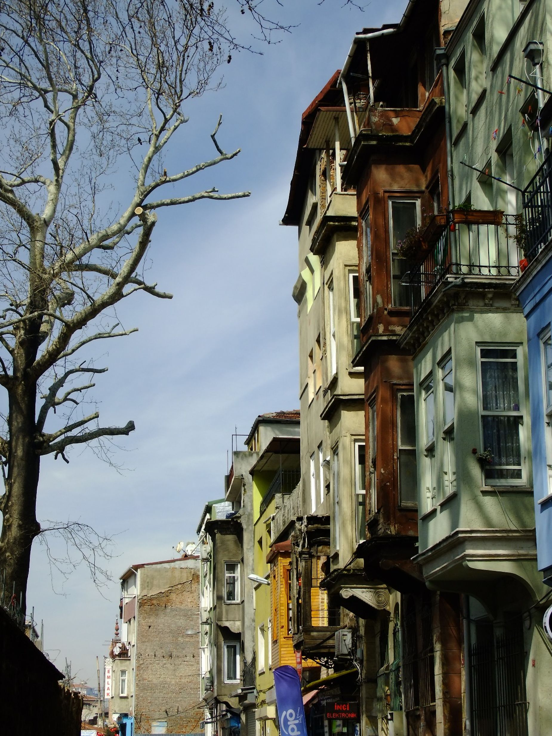 From Balat region istanbul this weekend Balat Istanbul [a:33] Balatstreets Balcony Built Structure Cafe City Day Historic Istanbul House Istanbul No People Old Streets Outdoors Streetcolors Streetphotography EyeEmNewHere