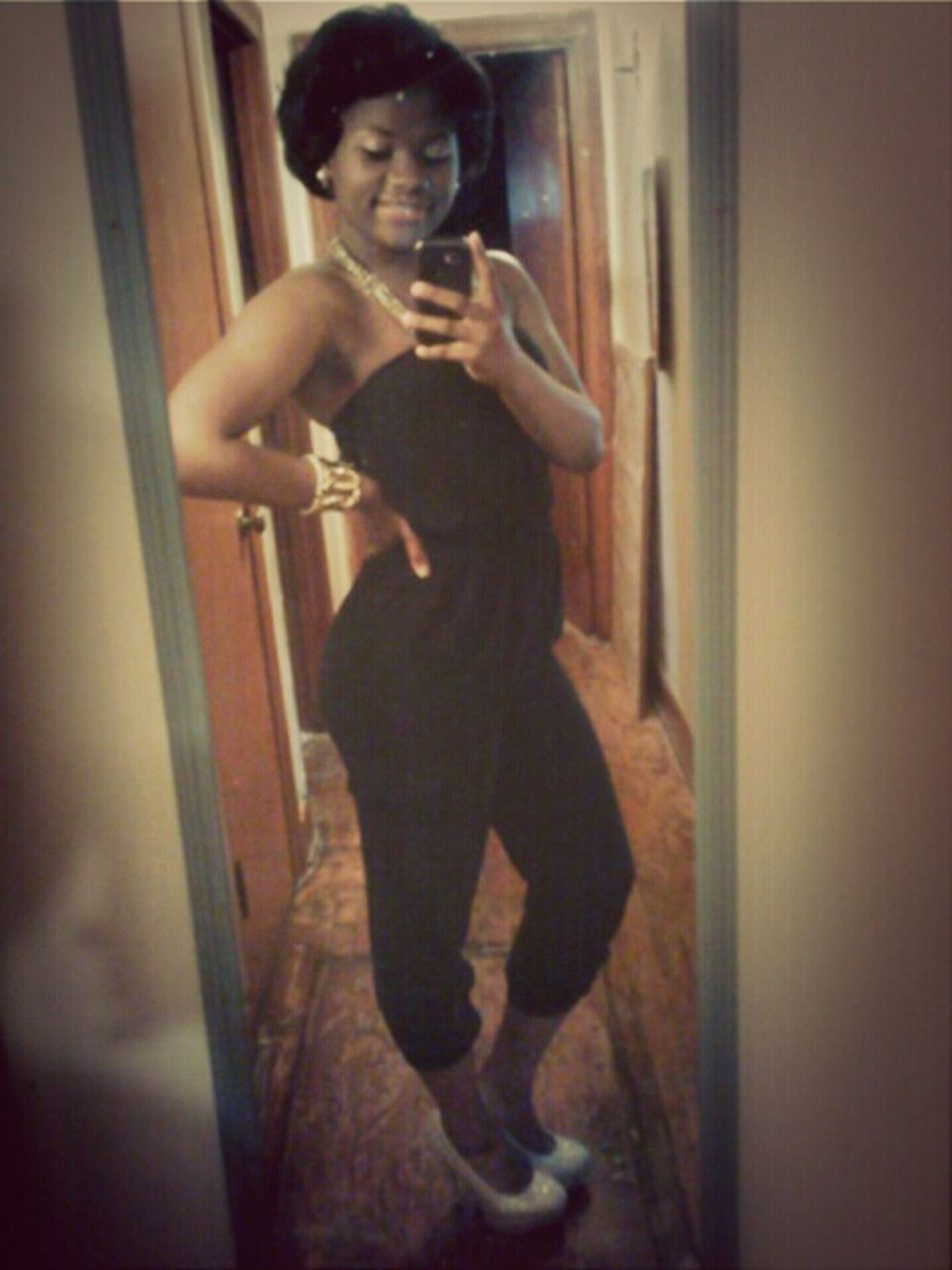Follow Me Keeping It Classy @_yoAMObailo Like My Pictures
