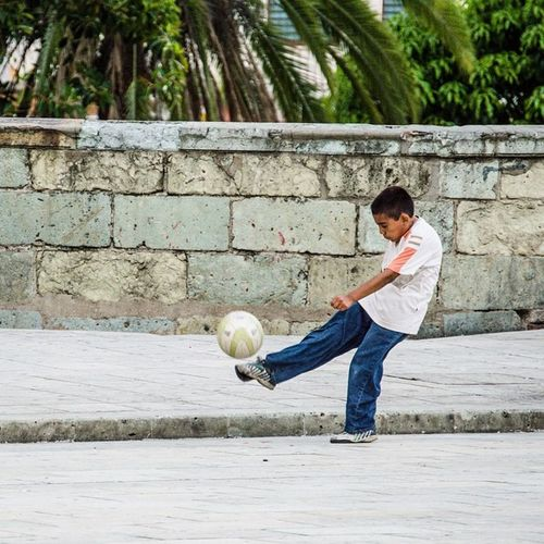 """¡Ahí te va!"" - Vive_oaxaca OaxacaAPie ⚽️ES Igersyuc_verano"