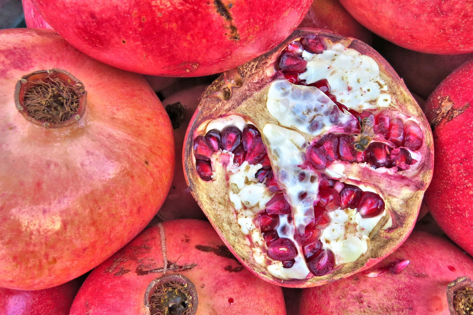 Backgrounds Close-up Cross Section Day Food Food And Drink Freshness Fruit Full Frame Granadafruta Healthy Eating No People Outdoors Pomegranate Pomegranate Seed Puerto De Frutos,Tigre Red